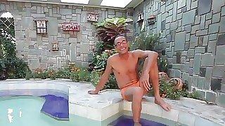 Big booty tranny..